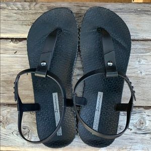 Ipanema black rubber sandals